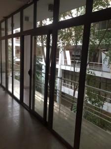5 2 225x300 - درب و پنجره آلومینیوم تک ودوجداره - نرمال و ترمال بریک