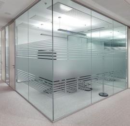 Frameless-Glass-Walls-2-1024x768-270x260